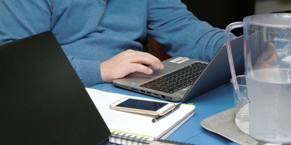 Conveni de col·laboració entre l'Ajuntament i MicroBank per reactivar l'autoocupació i l'activitat emprenedora
