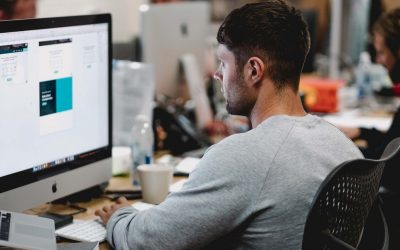 Ets jove i vols treballar en el sector IT?